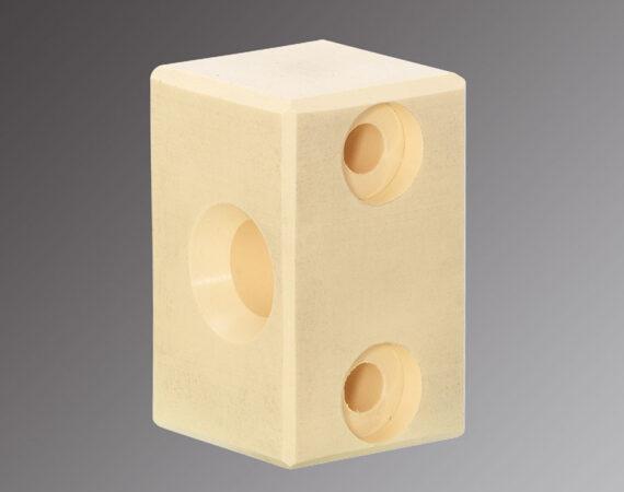 NSERTS en plastique usinés sur Centre d'Usinage BROTHER - Capacité : Ø de 10 à 200 mm Longueur jusqu'à 500 mm